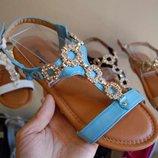 Женские босоножки с камнями со стразами сандалии черные, бежевые,пудровые,белые, голубыешлепки