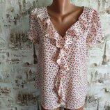 Хорошенькая блуза. на бирке- 16 р-р 50 .