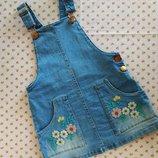Классный джинсовый сарафанчик с вышивкой. 3-4 года