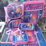Школьный рюкзак для девочки Винкс принцессы Эльза и др. Спрашивайте. Можно комплект .