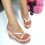 Женские розовые шлепанцы Juicy Couture