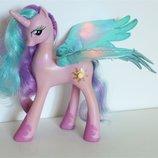 My little pony оригінал. Дуужe крута. Розмовляє і співає, якщо тиснути на кнопочку, світяться крильц