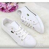 Женские белые кеды Lacoste