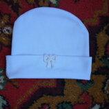 продам котоновую белоснежную шапочку