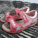 Босоножки,сандали р.31 19,5см каблук томаса