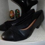 Качественные туфли clarcs,р.41,сиелька 25.5,новые,нат.кожа