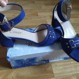 Распродажа женские синие замшевые босоножки на низком каблуке закрытой пяткой