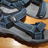 38 разм. Kangaroos фирменные сандалии Длина по внутренней стельке - 24,5 см., ширина подошвы - 10 см