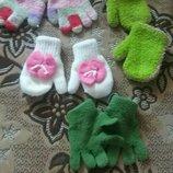 Продам рукавицы перчатки на 2-4 года