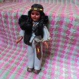 Маленькая кукла индианка на резинках от Carlson Dolls, рост 19см