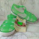 Пляжные сандалии от Impidimpi