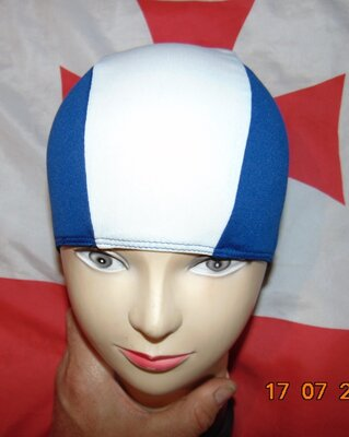 Спортивная фирменная шапочка для плавания .унисекс .м-л-хл