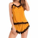 Пижама женская желтая с кружевными вставками