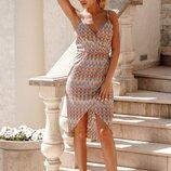 Трикотажное платье на запа́х