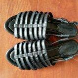 Супер мягкие босоножки Clarks 39 р, на ногу 25 см, женские сандали кларкс натуральная кожа новые