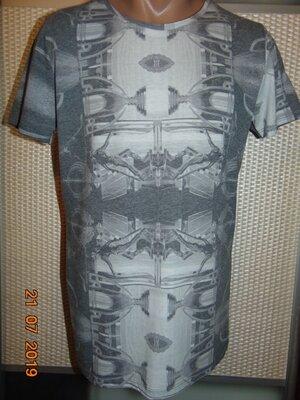 Стильная фирменная футболка Theo. s-m