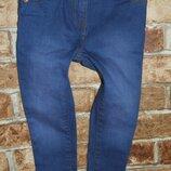 узкачи джинсы 4 года стрейч TU