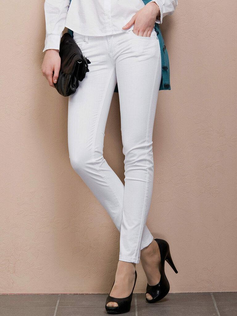приготовить женские белые брюки картинки божией