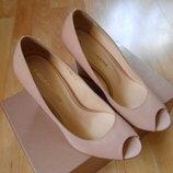 Кожаные стильные пудровые туфли Carlo Pazolini, р 37