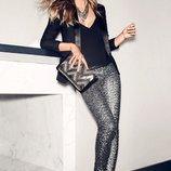 Модные леггинсы в серебристые паетки от H&M