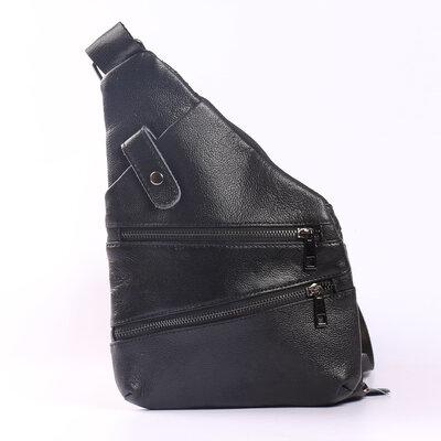 Кожаная сумка на грудь черная, бананка