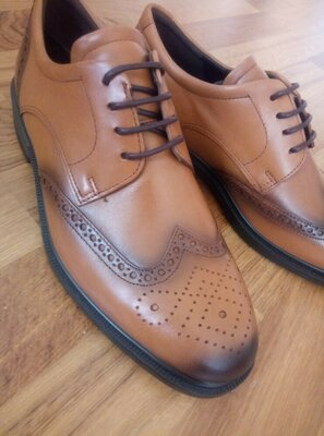 Ecco туфлі класичні
