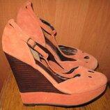 оранжеві туфлі замша р40 Next