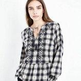 New look. эффектная блуза.с вышивкой. есть размеры 42-44, 46-48 новые.