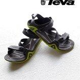 Комфортная стрепова модель TEVA для города и походов.
