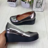 Туфли на небольшой платформе, натуральная кожа и замш, черные,никель и красные