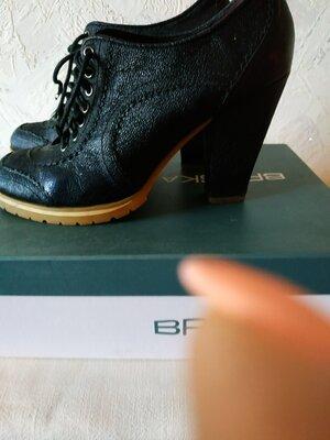 Braska. Не дорого. Кожаные ботильоны. Осенние туфли. Черные.