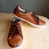 Стильные кроссовки от Pulse