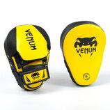 Лапа изогнутая боксерская Venum Flex 8320 2 лапы в комплекте, размер 26x19x5см