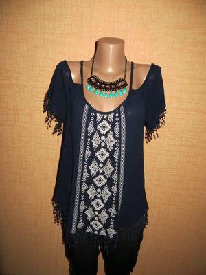Женская вышиванка в стиле Бохо .