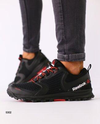 Кроссовки мужские, черные с красными вставками
