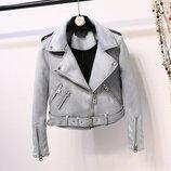 Женская замшевая куртка косуха голубая