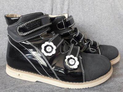 Отличное состояние. Ортопедические кожаные школьные туфли Orthobe 34р. 22см