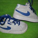 Кроссовки Nike,р.21 стелька 13,5см кожа