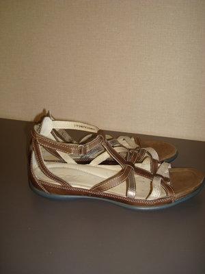 Кожаные босоножки сандалии размер 37 Ecco