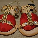 Гламурные открытые кожаные босоножки с инкрустрациями Apepazza Италия 39 р.