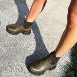Стильные брутальные ботинки челси из натуральной кожи
