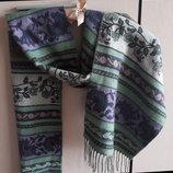 Красивый теплый нежный шарф