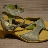 Лаконичные открытые фирменные босоножки на устойчивом каблуке Camper Испания 37 р.