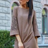 Красивое платье трапеция с вышивкой 1190