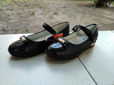 Школьные туфли для девочки, школьные туфли черные