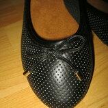 Новые перфорированные Туфли,балетки, Бренд,размер 38,39 средняя стопа