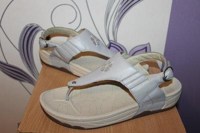 Кожаные босоножки сандалии hotter разм 42
