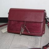 Очень стильная сумочка - клатч David Jones