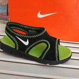 Тапочки сандалии для бассейна Nike. разм.23