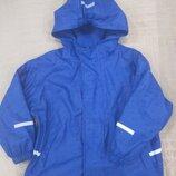 Продам в идеальном состоянии фирменную Impidimpi, прорезиненную куртку дождевик на флисе 4-6 лет.